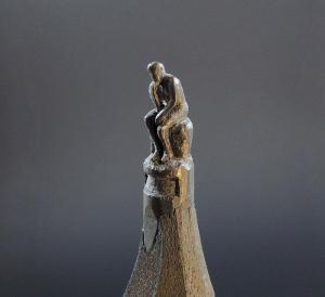 Neveroyatnye-skulptury-na-grife-karandasha-Yasenko-Dordevicha (4)